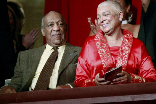 Bill Cosby et sa femme Camille en 2009.... (PHOTO ARCHIVES AP)