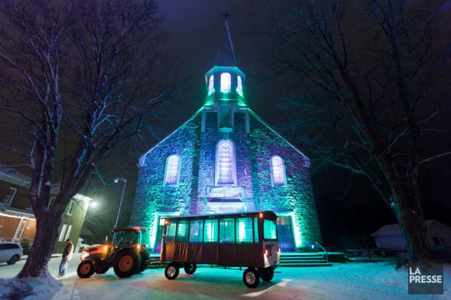 Les visiteurs de la 8eFéerie de Noël de... (PHOTO EDOUARD PLANTE-FRÉCHETTE, ARCHIVES LA PRESSE)