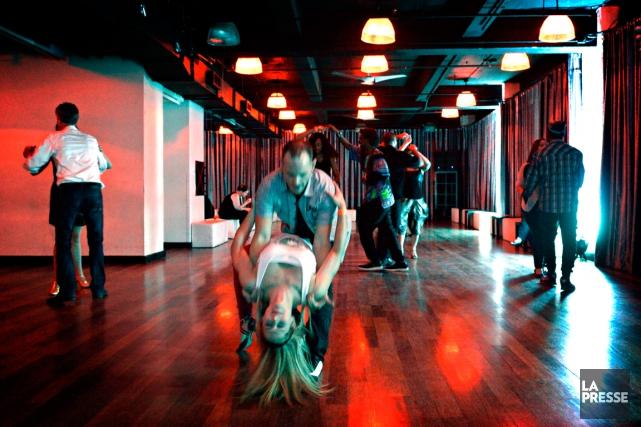 Sans parler des discothèques, Montréal déborde de lieux presque secrets où se... (PHOTO BERNARD BRAULT, LA PRESSE)