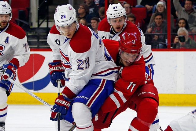 Suivez le match du Canadien contre les Hurricanes de la Caroline en direct avec... (Photo Karl B DeBlaker, archives AP)