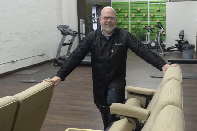 Luc Gélinas, président de Synapse électronique, démontre un... (Sylvain Mayer)