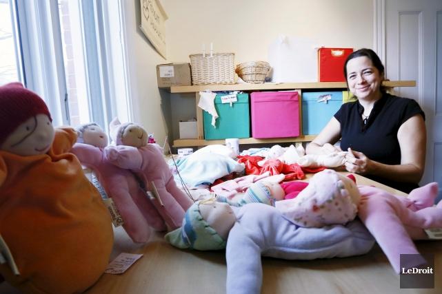 Sophie Guindon crée des papoums, de jolies petites... (Simon Séguin-Bertrand, LeDroit)