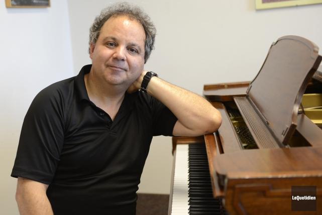 Pierre Lamontagne dirigera le Choeur Amadeus ce soir,... (Archives Le Quotidien, Jeannot Lévesque)