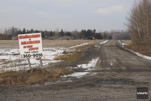 Certaines terres agricoles de M. Voghell sont utilisées... (Alain Dion, La Voix de l'Est)