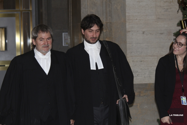 Me Giusseppe Sciortino et Me Félix-Antoine Michaud, avocats... (La Tribune, René-Charles Quirion)