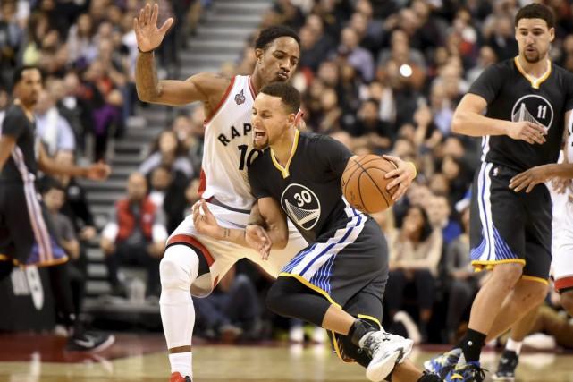 Stephen Curry a marqué 44points dans la victoire... (PHOTO DAN HAMILTON, USA TODAY)