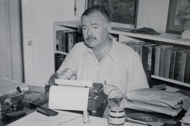 Ernest Hemingway à Cuba à la fin des... (ARCHIVES AP)