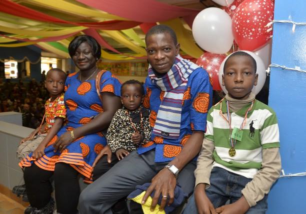 Hattic Carter, Akanbi Victor et leurs enfants Emanuel,... (Spectre Média, Maxime Picard)