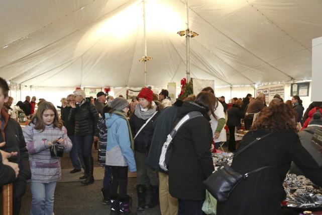 Plus de 4100 personnes ont visité le marché... (photo Julie Catudal)