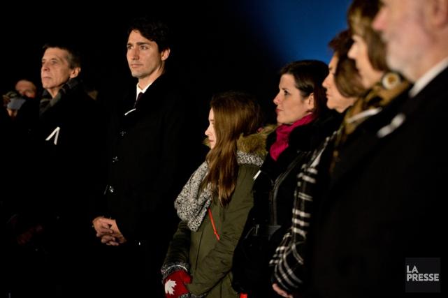 Justin Trudeau, très ému, a respecté une minute... (PHOTO OLIVIER JEAN, LA PRESSE)