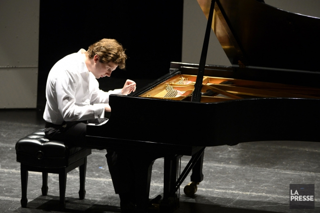 Le pianiste Jayson Gillham lors d'un précédent spectacle... (PHOTO CHARLES LABERGE, COLLABORATION SPÉCIALE LA PRESSE)