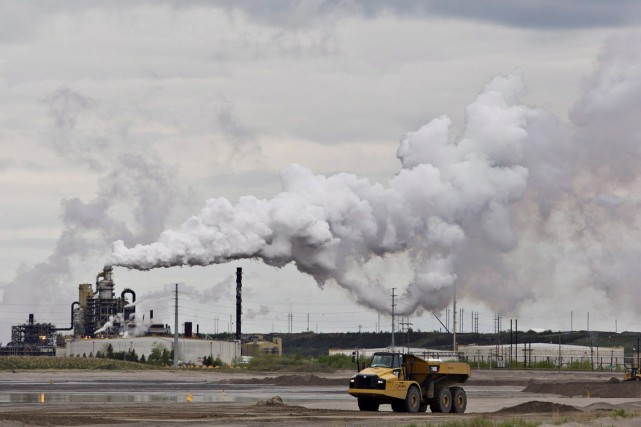 Les émissions de CO2 issues de la combustion... (PHOTO JASON FRANSON, ARCHIVES PC)