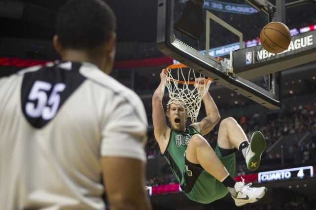 Les Celtics de Boston ont affronté les Kings... (PHOTO REBECCA BLACKWELL, AP)