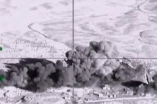 Un bombardement russe dans la province deDeir Ezzor.... (Photo archives AFP)