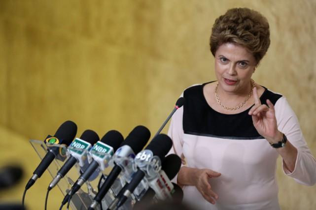 La présidente du Brésil adénoncé une «procédure sans... (PHOTO AP)