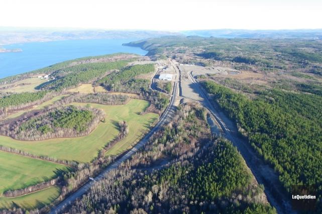 Même si le premier ministre Philippe Couillard croit que le Québec devra cesser... (Archives Le Quotidien)