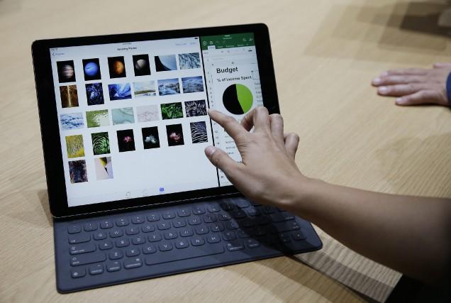 Un iPad Pro d'Apple avec un clavier Smart.... (Photo AP)