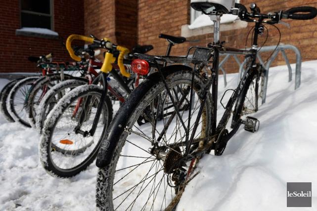 L'administration Labeaume souhaite étirer la saison de vélo... (Photothèque Le Soleil, Caroline Grégoire)
