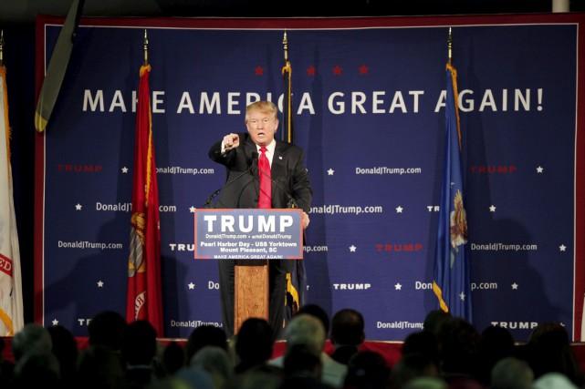 Jusqu'à présent, les controverses ont aidé Donald Trump... (PHOTO RANDAL HILL, REUTERS)