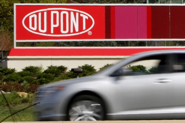 Les chimistes américains Dow Chemical et DuPont veulent fusionner pour 120... (PHOTO REUTERS)