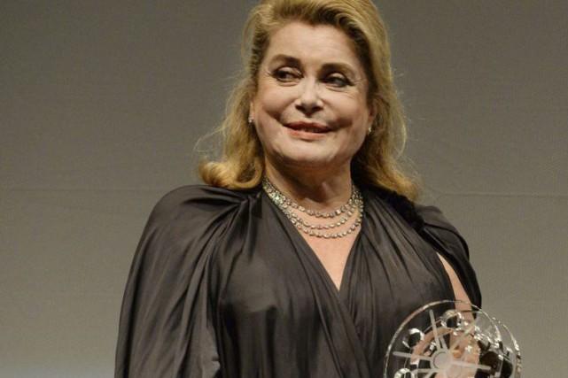 La star du cinéma français a reçu un... (PHOTO AP)
