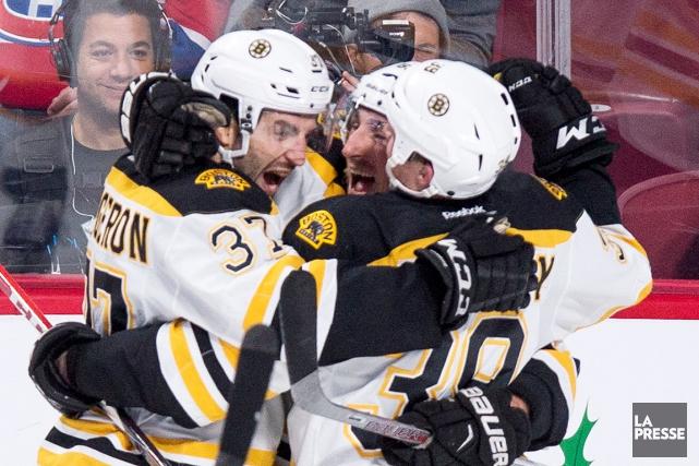Les Bruins de Boston ont frappé avec la... (La Presse Canadienne)