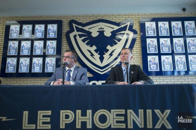 Denis Bourque, président, et Jocelyn Thibault, vice-président hockey... (Spectre media: Julien Chamberland)
