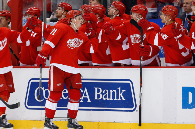 Dylan Larkin, premier choix des Red Wings en... (Photo Paul Sancya, AP)