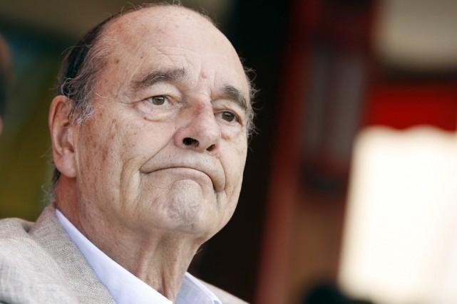L'ex-président français Jacques Chirac photographié en août 2011.... (PHOTO SÉBASTIEN NOGIER, ARCHIVES AFP)