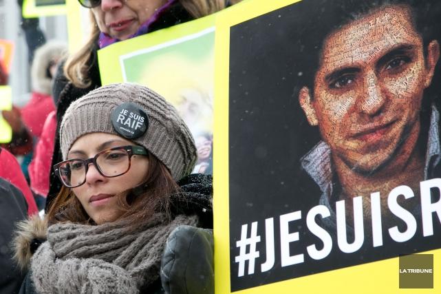 Emprisonné en Arabie saoudite, le blogueur Raif Badawi a entrepris une grève de... (Archives La Tribune)