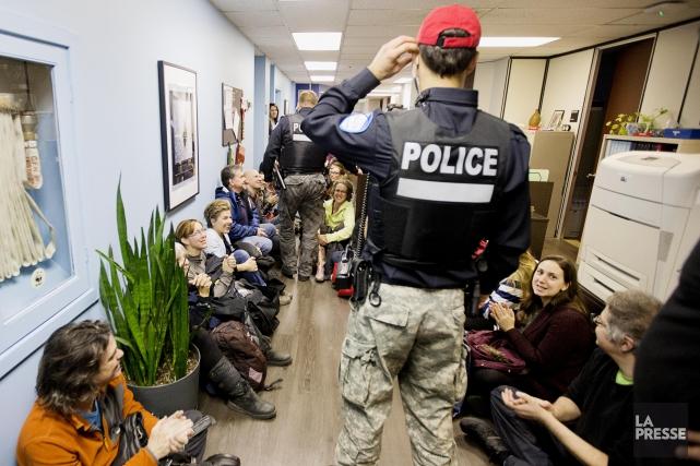 Les enseignants en grève depuis hier avaient également... (PHOTO ALAIN ROBERGE, LA PRESSE)