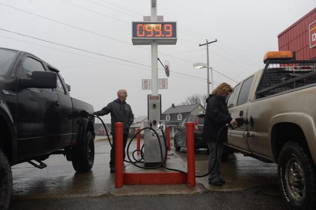 Le prix de l'essence à la pompe était... (Sylvain Mayer)