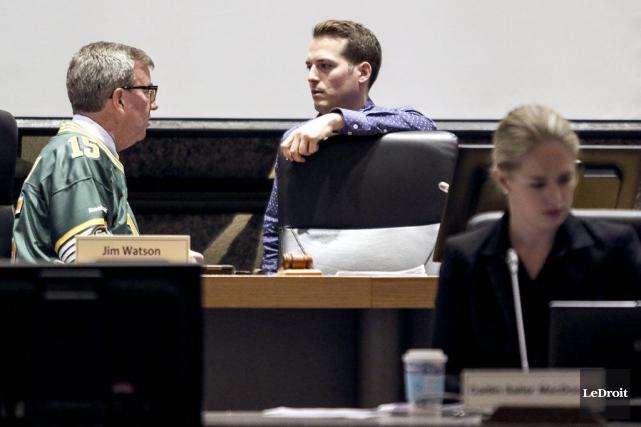 Tant à Ottawa qu'à Gatineau, l'adoption du budget... (Patrick Woodbury, LeDroit)