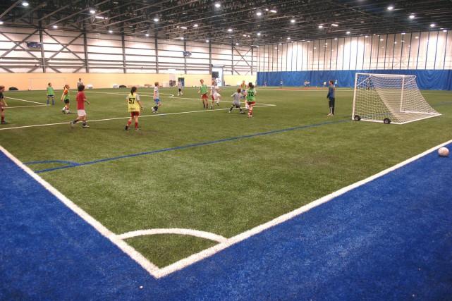 Un terrain de soccer intérieur à Trois-Rivières... (Photo: Ève Guillemette)