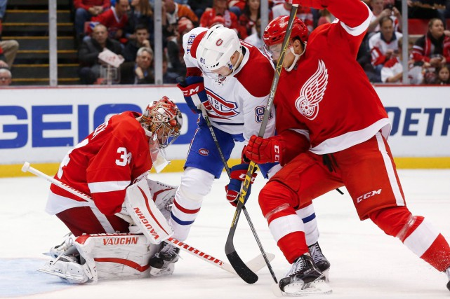 Le gardien des Red Wings Petr Mrazek (34)... (AP, Paul Sancya)