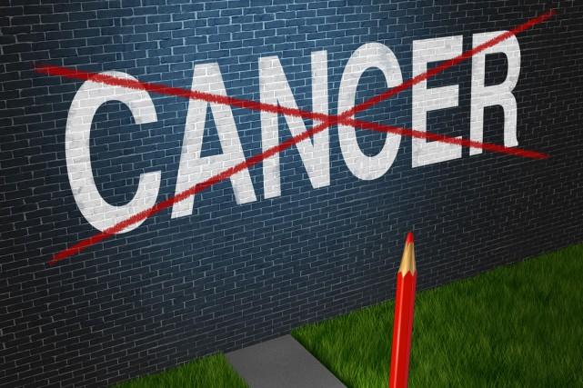 Surtout, ne diminuez pas les soins en cancer,... (123RF)