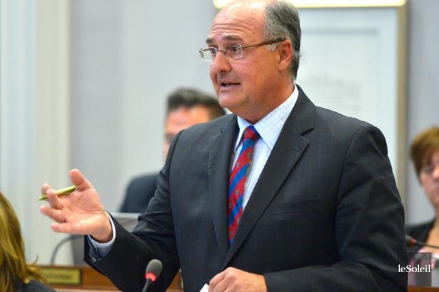 Paul Shoiry, le chef de l'opposition, accuse le... (PHOTOTHÈQUE LE SOLEIL, YAN DOUBLET)