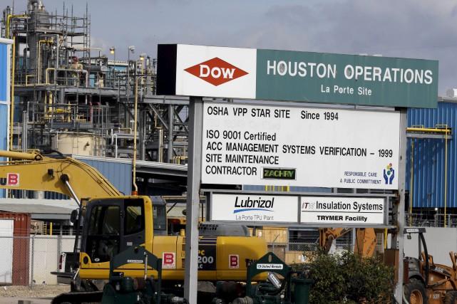 Les géants américains de l'agrochimie Dow Chemical et... (Associated Press, Pat Sullivan)