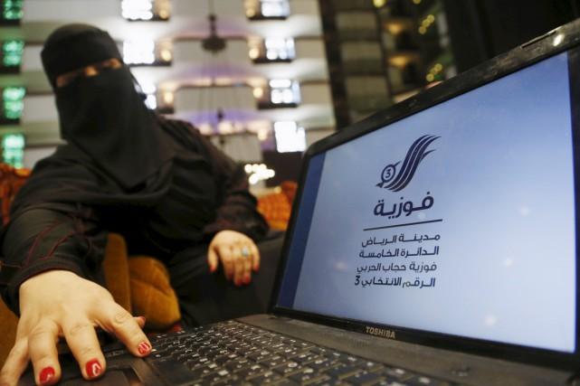 Fawzia al-Harbi est l'une des 900 Saoudiennes en... (PHOTO FAISAL AL NASSER, ARCHIVES REUTERS)