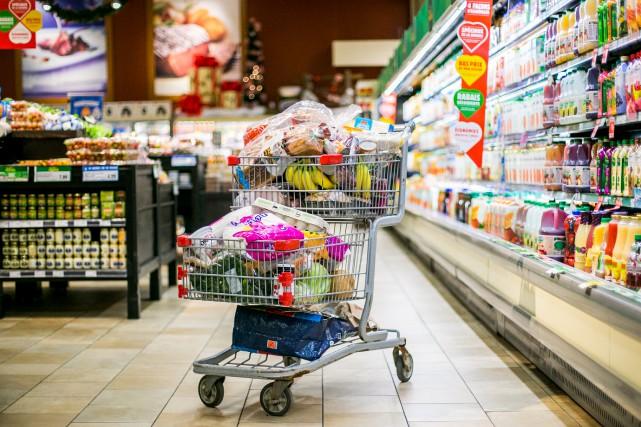 «Nous devons peut-être débourser davantage pour nous nourrir... (PHOTO MARTIN TREMBLAY, ARCHIVES LA PRESSE)