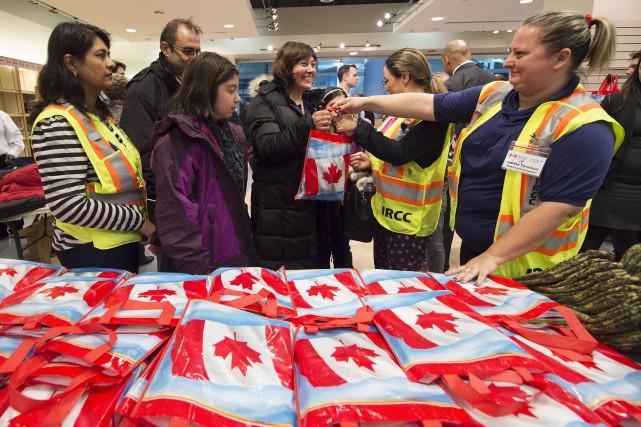 Des familles de réfugiés syriens ont reçu des... (La Presse Canadienne, Nathan Denette)