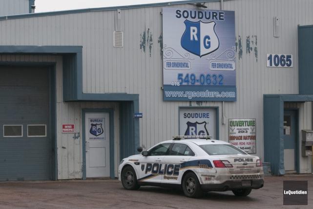 Les policiers ont dû intervenir au 1065, boulevard... (Photo Le Quotidien, Michel Tremblay)