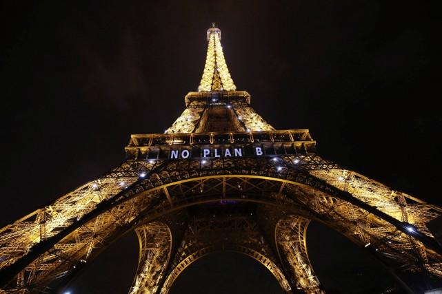 Alors que les tractations se poursuivaient à la... (AFP, Patrick Kovarik)