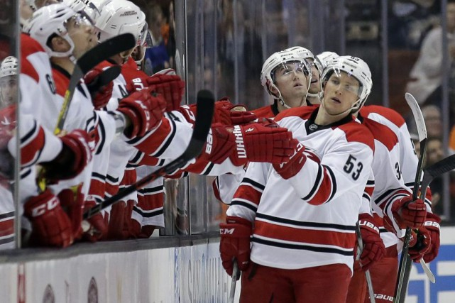 Jeff Skinner... (PHOTO Chris Carlson, AP)