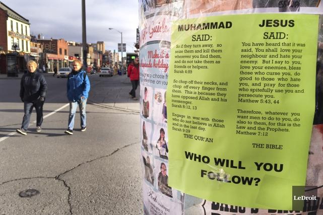 Des messages dépeignant l'islam comme une religion de... (Martin Roy, LeDroit)
