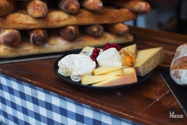 Cristel Henssen est copropriétaire de la fromagerie Copette&Cie, qui a pignon... (Photo Olivier Pontbriand, La Presse)