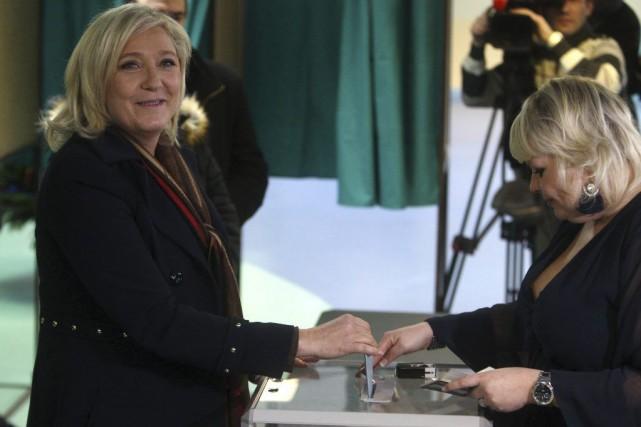 Marine Le Pen a promis de «pourrir la... (Photo Michel Spingler, AP)