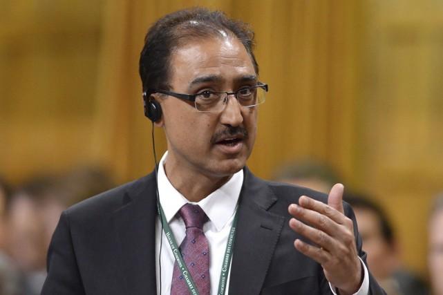 Le nouveau ministre fédéral de l'Infrastructure, Amarjeet Sohi,... (Archives La Presse Canadienne)
