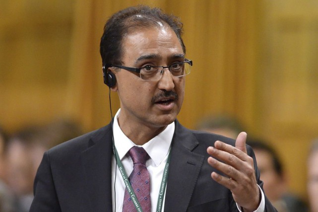 Le nouveau ministre fédéral de l'Infrastructure, Amarjeet Sohi,... (Archives PC)