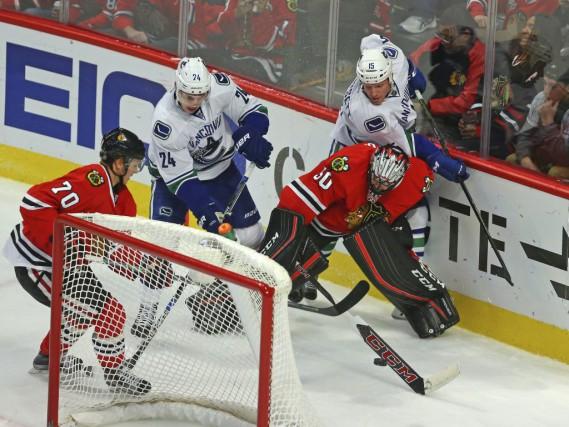 Corey Crawford a réussi un deuxième jeu blanc de suite alors que les Blackhawks... (Photo USA Today Sports)